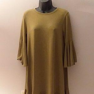 Lularoe bell sleeve dress